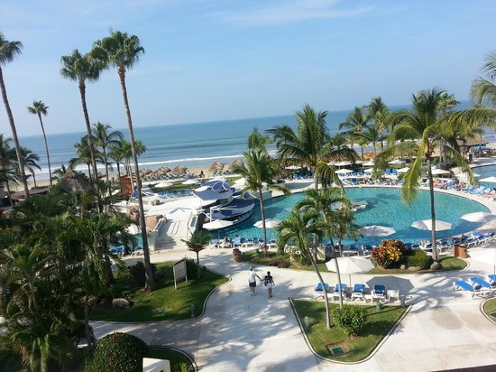 Hard Rock Hotel Vallarta : From room on 4th floor middle of building