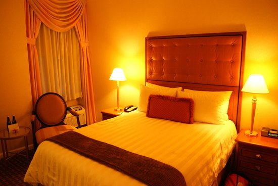 Hotel Metro: Room 709!