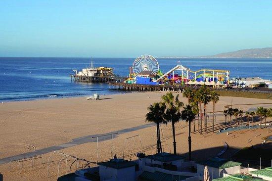 Fairmont Miramar Hotel & Bungalows: Santa Monica Pier