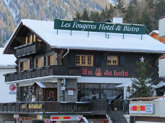 Les Fougeres Hotel and Harrys Bar