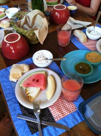 Hotel con Corazon: Delicious breakfast