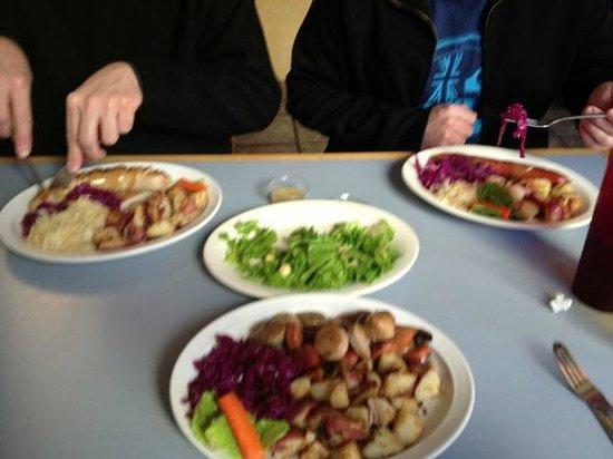 Heidelberg Inn: Sausage Platters with sauerkrat and cabbage