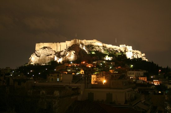 Electra Palace Athens: View of the Acropolis from hotel restuarant