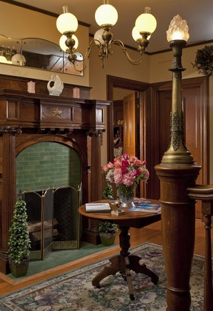 Whistling Swan Inn: Foyer