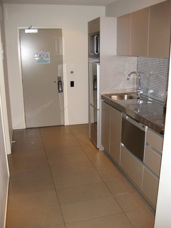 Waldorf Celestion Apartment Hotel: Nice little kitchen