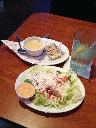 Native Grill & Wings - Ray Rd.: Soup and salad
