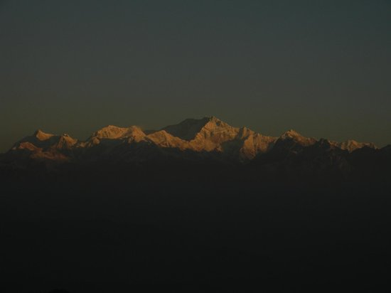 Kanchenjunga Mountain : Mt.Kanchenjunga from Tiger Hill during Sunrise