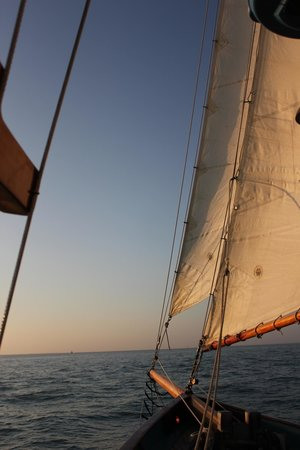 The Schooner Hindu, Hindu Charters: Our second sail on the Hindu, 12/26/12