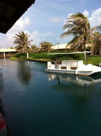 Dom Pedro Laguna: barco na porta