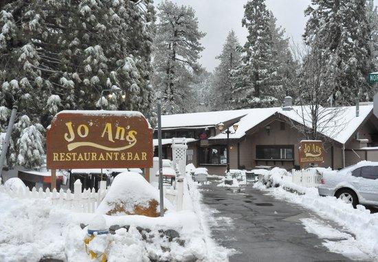 Jo'an's Restaurant & Bar: Snow Day at Jo' An's Restaurant