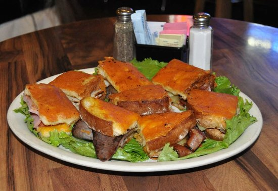 Jo'an's Restaurant & Bar: Insideout Grill Cheese