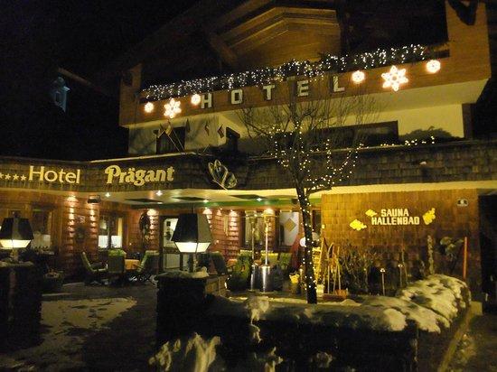 Hotel Prägant: Abendstimmung vor dem Hotel