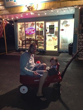 Super Scoops Inc.: Son and I second night, second stop!