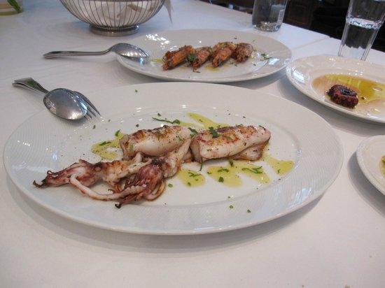 Mavri Thalassa: Squid