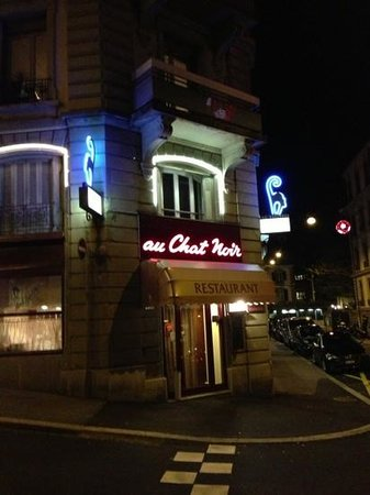 Au Chat Noir : le chat noir by night