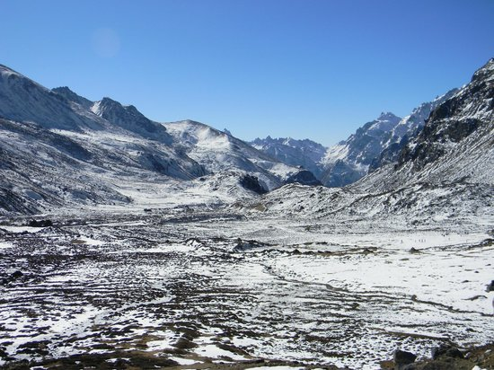 Lachung, Indien: View of the valley from Zero Point
