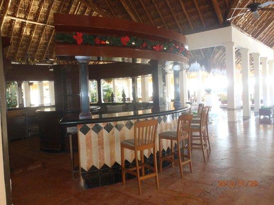 Now Sapphire Riviera Cancun: Lobby bar