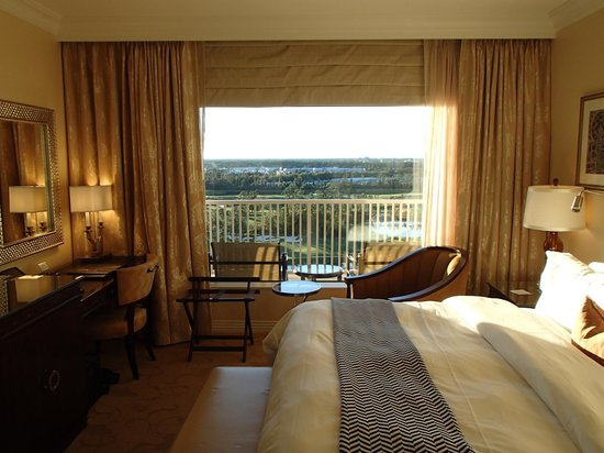 Waldorf Astoria Orlando: view from the bed