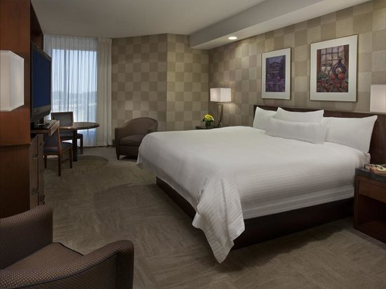 White Oaks Conference Resort & Spa : Superior Room - King