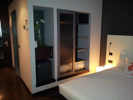 Armadio e dintorni - Picture of Savhotel, Bologna - TripAdvisor