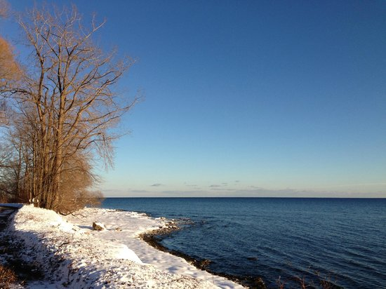 Prince Edward County Wine and Culinary Tours: Long point coastline