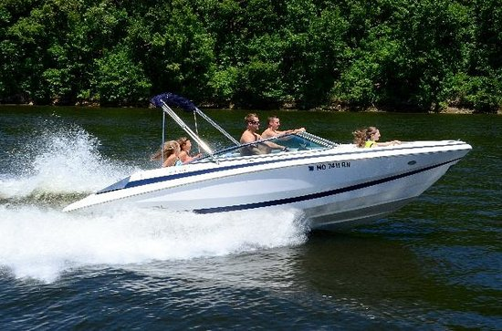 Tan-Tar-A Resort, Golf Club, Marina & Indoor Waterpark: Ski Boat Rentals On-Site