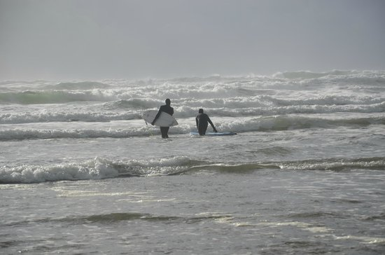Pacific Sands Beach Resort: These two fellows were from Ontario and had come out to winter surf!
