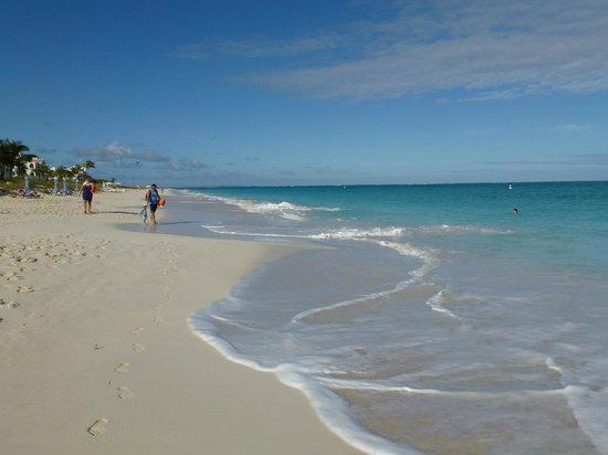 Grace Bay : Beautiful beach for strolling
