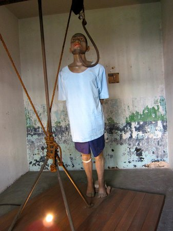 Graphic depiction of torture picture of bangkok corrections museum bangkok tripadvisor - Clipart tortue ...
