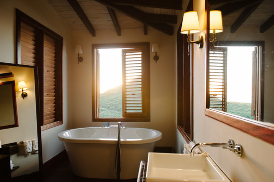 Hermitage Bay: Suite 36 bathroom