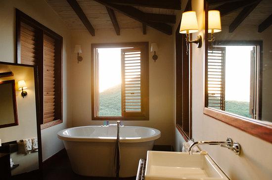 هيرميتيج باي أول إنكلوسيف: Suite 36 bathroom 