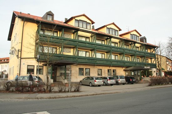 Hotel Gasthof Neuwirt: Hotel and restaurant