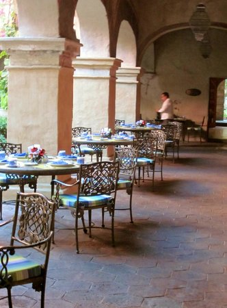 Quinta Real Oaxaca: The restaurants have outdoor dining options