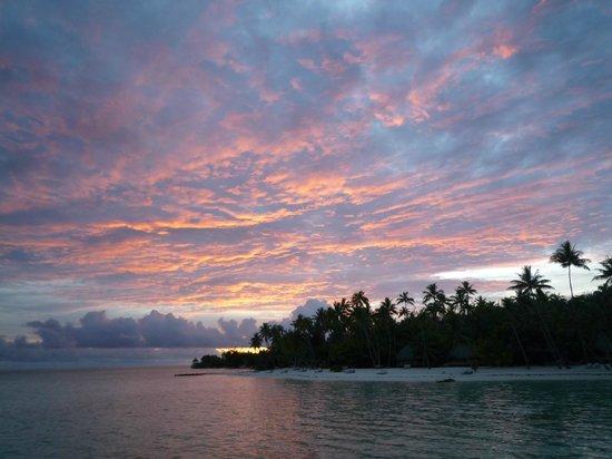 Bora Bora Pearl Beach Resort & Spa: Sunset