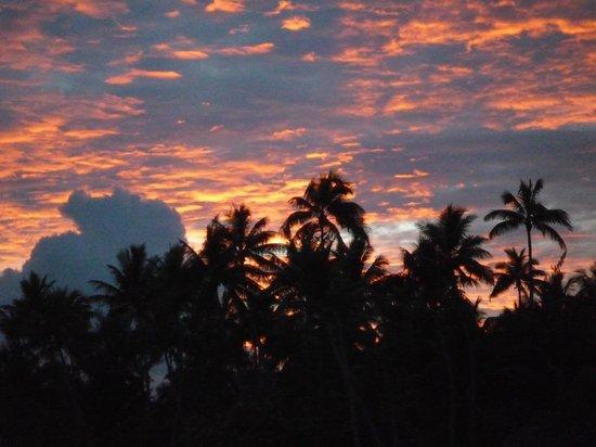 Bora Bora Pearl Beach Resort & Spa: Another amazing sunset