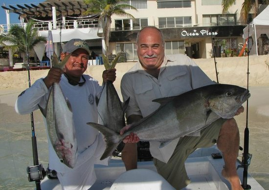 Fishing with Captain Salas: Catch 39