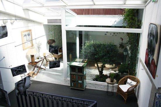 Relax Gallery Hostel