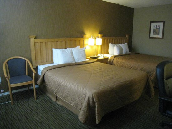 Comfort Inn and Suites North Vancouver: Our room