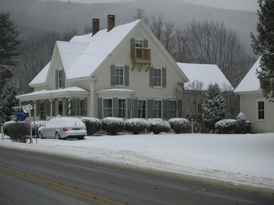 The Woodbridge Inn: First snow