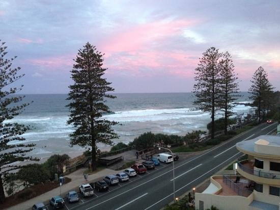 Coolum Caprice Luxury Holiday Apartments: sun setting
