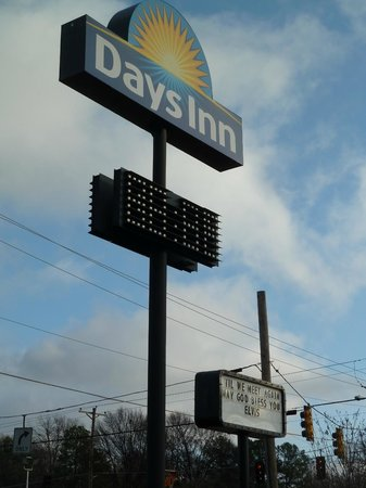 Days Inn Memphis at Graceland: Signage