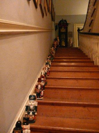 1024 Clinton Street Bed & Breakfast: 'Nutcracker' Stairwell