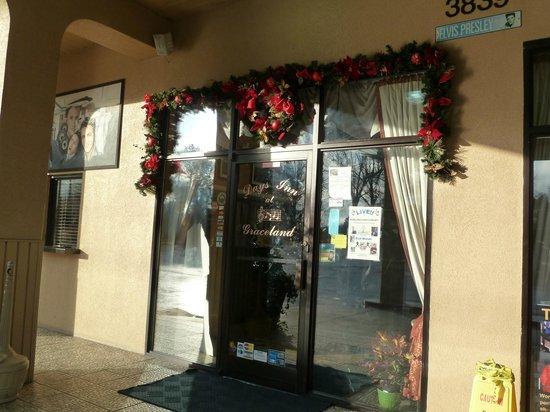 Days Inn Memphis at Graceland: Hotel Reception Entrance