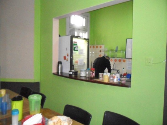 Baluch Backpackers Hostel: área de refeições