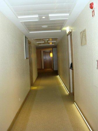 Real Marina Hotel & Spa: corridors