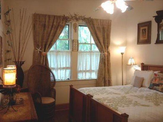 Haiku Plantation Inn: Maui Bed and Breakfast: Aloha suite