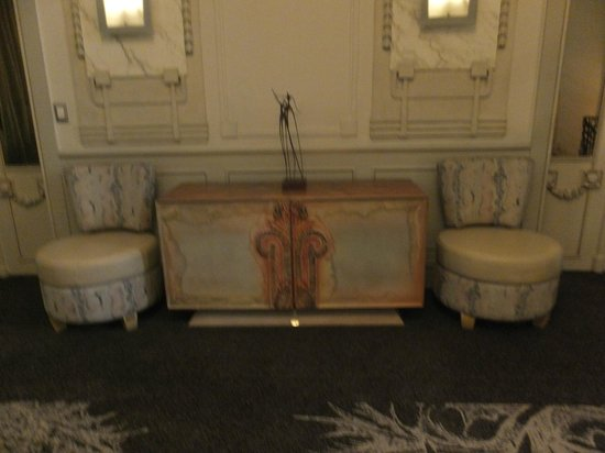 Savoy Hotel: Amazing furniture & fittings