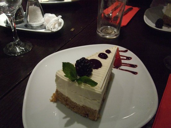 Zest Bar & Grill: new york cheesecake