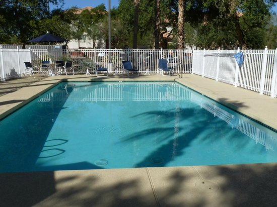Comfort Inn - Chandler / Phoenix South : Pool Area