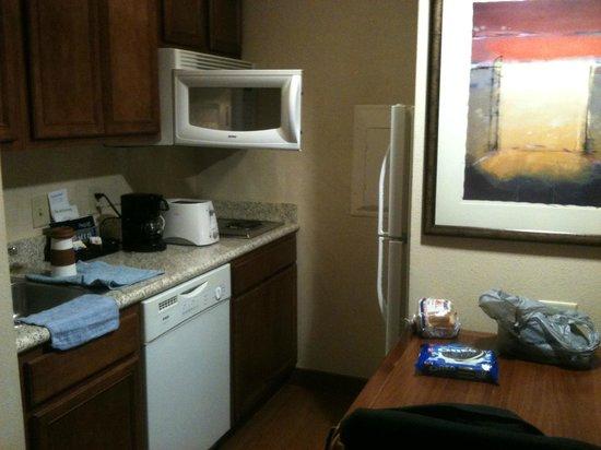 Homewood Suites by Hilton Laredo at Mall del Norte: Cocina